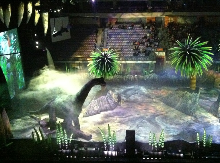 《与恐龙同行》[1999年bbc专题片]图片